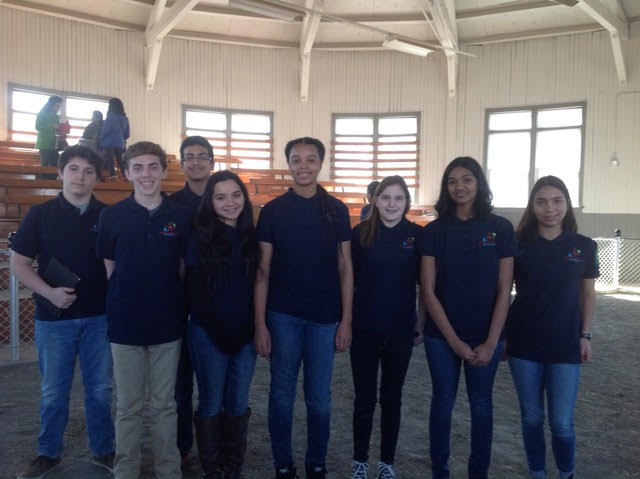 Picture of 8 Teen Leaders from the 4-H Teen Café